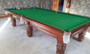 pool table removalists moving a 8 foot pub size pool table